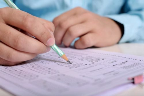 Что представляет собой экзамен на получение карты?